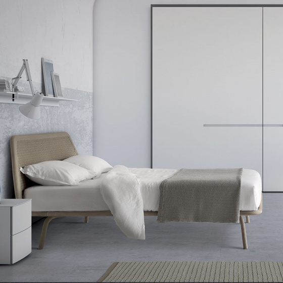 Cama matrimonio tapizada piel TRAMA | Home Interiores Muebles ...
